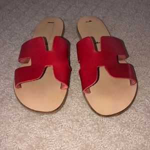 "Steve Madden Sz. 9 1/2 Red ""H"" slides"